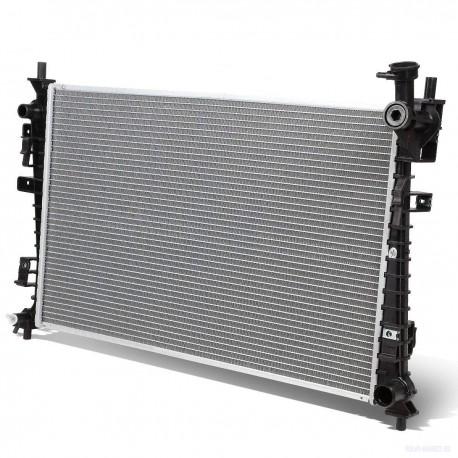 Радиатор охлаждения 670x372  VOLVO S40 II  V50 1.8 04/04-  FORD